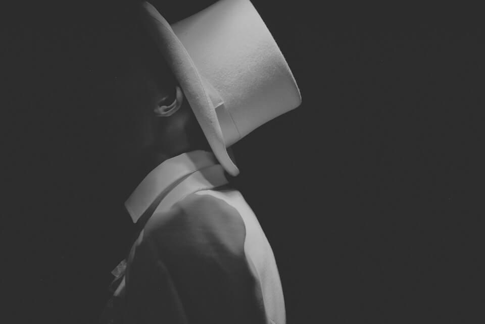 white hat.